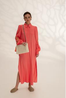 Легкое платье-рубашка с вышивкой, коралловый
